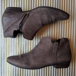 Paul Green grey leather ankle booties size 8.5